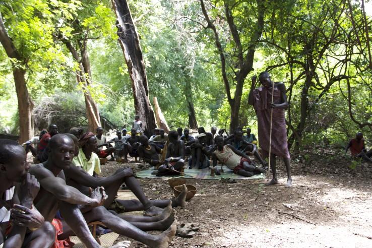 Kara tribe meets