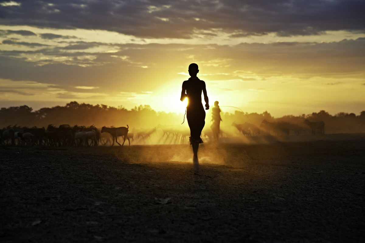 Kara Girl at Sunset, Dus Village